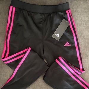 BNWT Girls Adidas Jogger w/Shock Pink Stripes